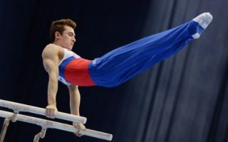 Гімнастичні вправи на паралельних брусах