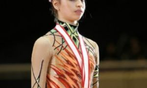 Художня гімнастка Мустафаєва Саміра