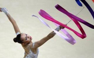 Два способи зробити гімнастичну стрічку своїми руками